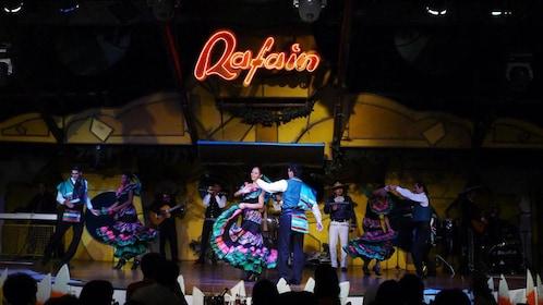 Dancing entertainers performing at dinner in Iguazu