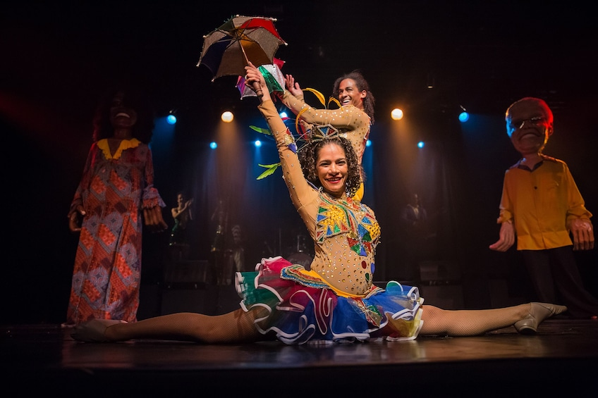 Cargar ítem 2 de 10. Ginga Tropical Brazilian Dance Show