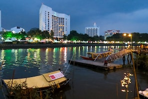 Kuching City and Sarawak River Half Day Tour