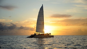 Lambada Sunset Sail met open bar en snacks