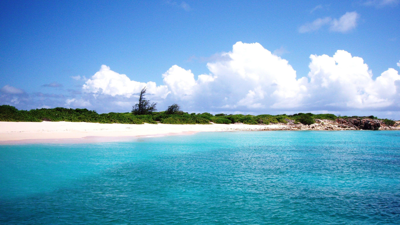 Calm waters off the coast of Sint Maarten