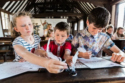 Shakespeare's Schoolroom & Guildhall_Children at Georgian desk 1_landscape_Sara Beaumont Photography_preview.jpeg