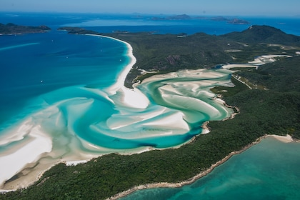 Whitsundays & Great Barrier Reef Scenic Flight