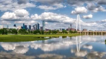 Dallas Sightseeing Walking Tour opt Reunion Tower / CityPass