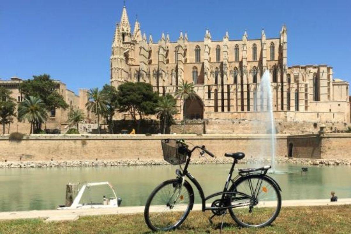 Halbtägige urbane Fahrradtour mit Tapas-Verkostung