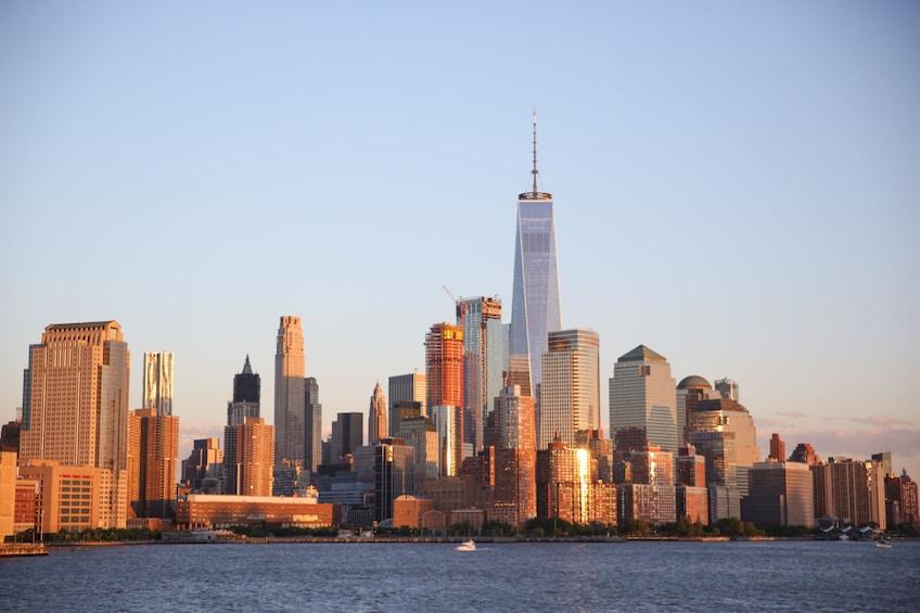 Apri foto 4 di 10. New York Harbor Lights Evening Cruise