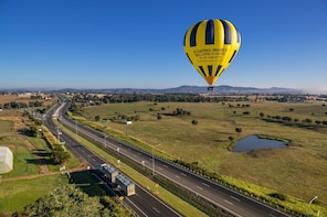 Sunrise Hot Air Ballooning with Breakfast - Greater Brisbane