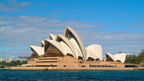 Day view of the Opera House in Sydney