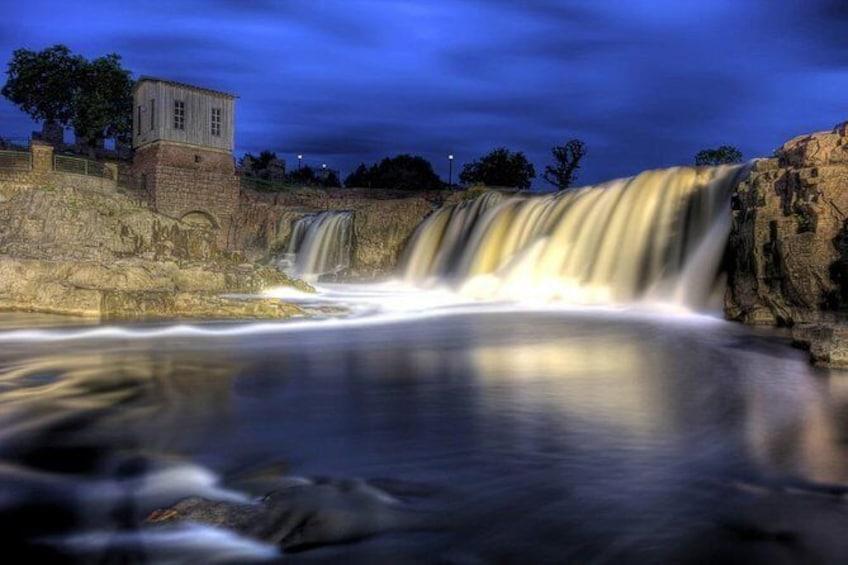 Amazing Let's Roam Sioux Falls Scavenger Hunt: Rock & Roll Through Sioux Falls!