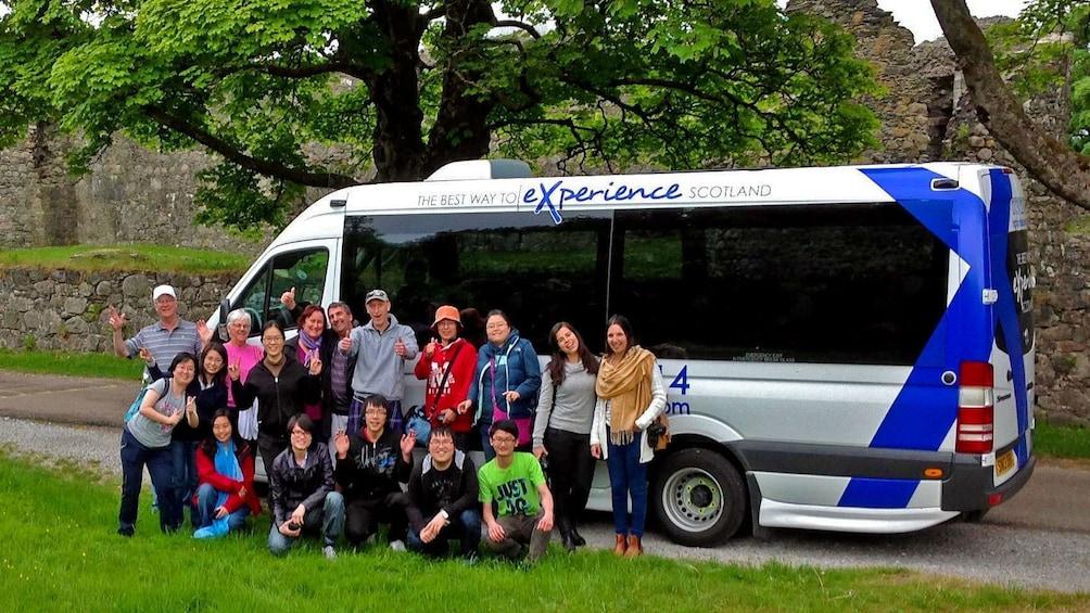 Foto 2 van 5. Tour bus in edinburgh