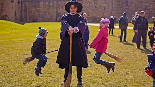 Playing witches in Edinburgh