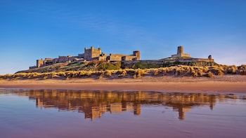 The Borders Experience: Melrose & Alnwick Full-Day Tour