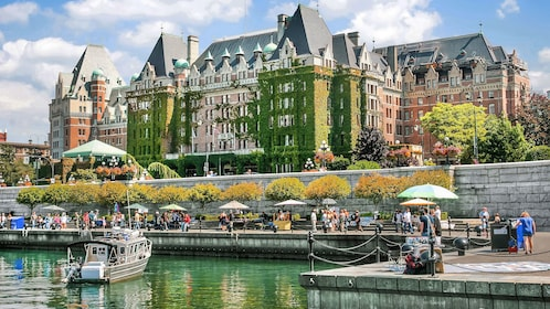 Empress hotel and harbor in Victoria