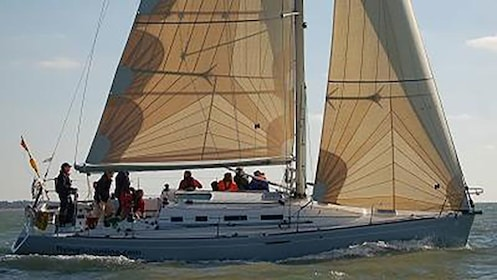 yacht sailing with crew in Sydney harbor