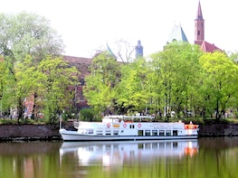 Wroclaw – Odra river cruise with private guide (2h)