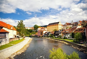 Private tour:Fairytale city that has been frozen in time