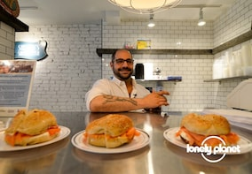 Lonely Planet Experiences: Small-Group Brookyln Food Tour
