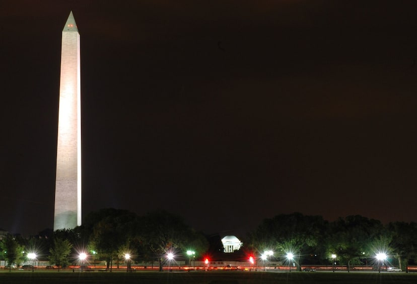 Show item 5 of 7. Washington: Small-Group Major Landmarks by Night Tour