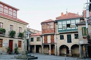 Squares of Pontevedra: Permanent scenarios of history
