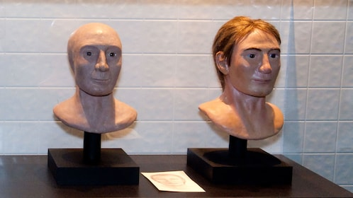 Two human busts for CSI experience in Las Vegas