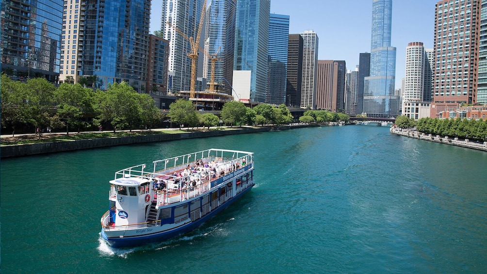 Go Chicago Explorer Pass: Choose 2,3,4 or 5 Top Attractions