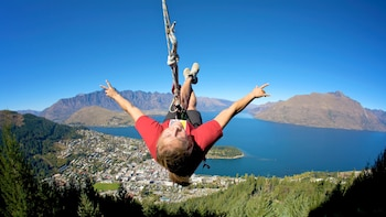 Ledge Swing - Epic Views Over Queenstown