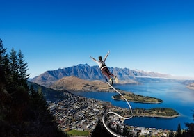 The Ledge Bungy - Freestyle Jump with Epic Views