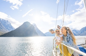 Milford Sound Nature Cruise - Queenstown and Te Anau