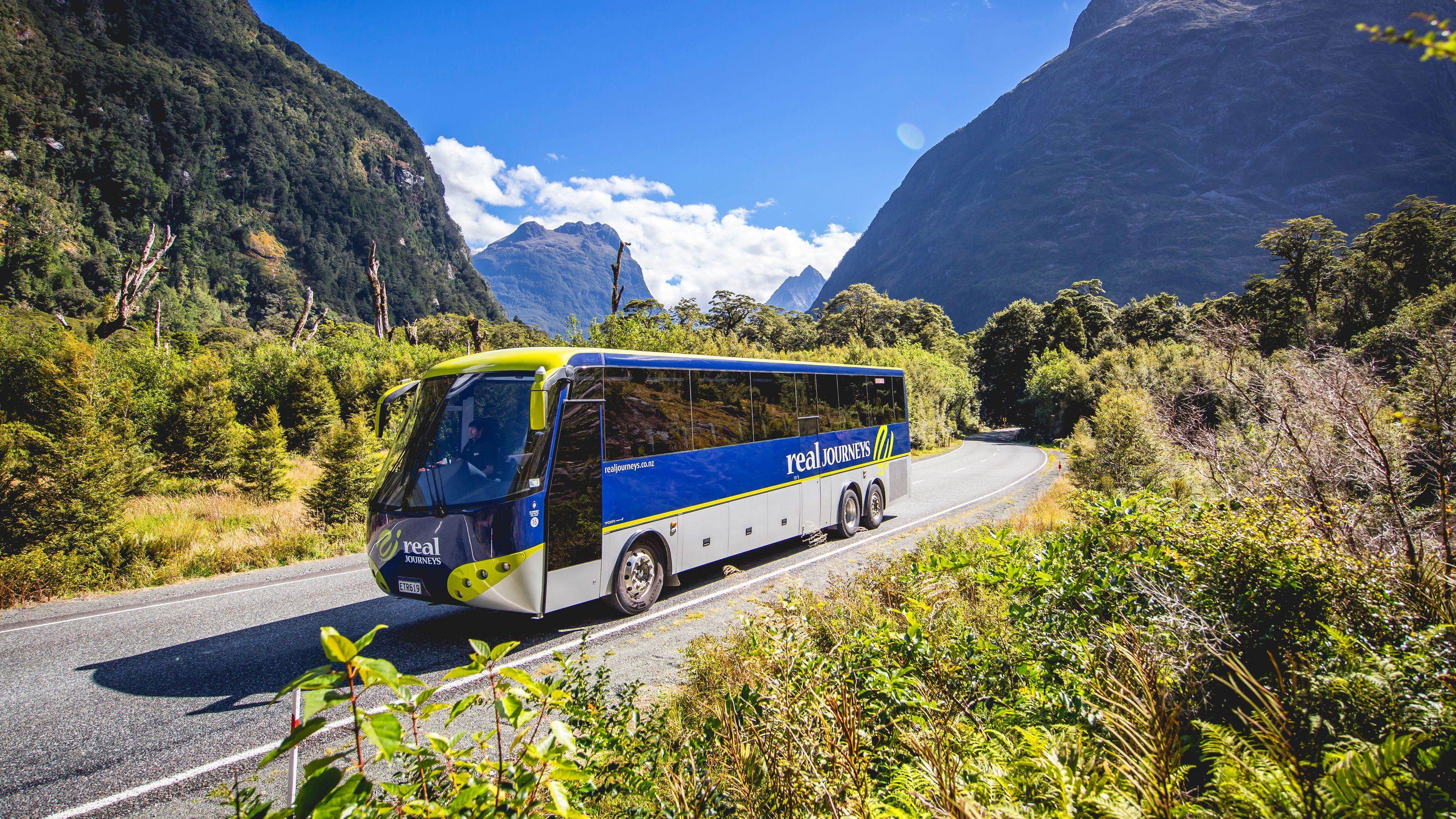 Bus tour of near Queenstown