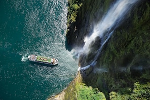 Milford Sound Full-Day Tour from Queenstown or Te Anau