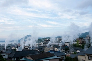 The Ultimate Beppu Tour for small groups