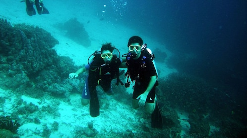Couple Diving in Alcudia