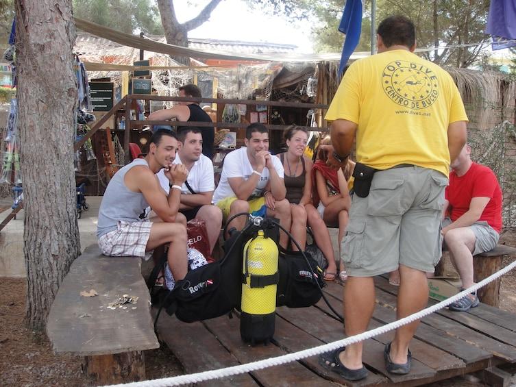 Foto 2 von 10 laden Discovering Scuba Diving in Palma Bay