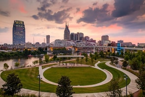 Nashville Scavenger Hunt: Capitol Sights & Country Songs