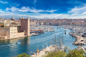 Marseille Scavenger Hunt: Sights By The Sea