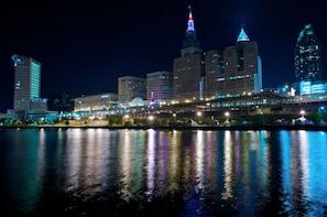 Cleveland Scavenger Hunt: Cleveland Climax Bar Crawl