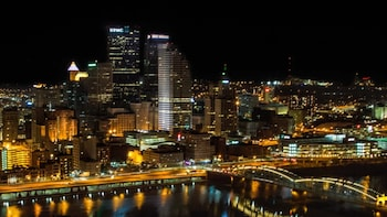 Pittsburgh Scavenger Hunt: Party Through Pittsburgh Bar Crawl