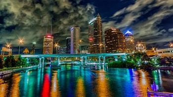 Tampa Scavenger Hunt: Tampa Takeover Bar Crawl