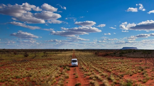 Tour Jeep in Australian outback