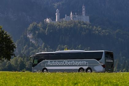 Fast Track Neuschwanstein & Linderhof Full-Day Premium Tour