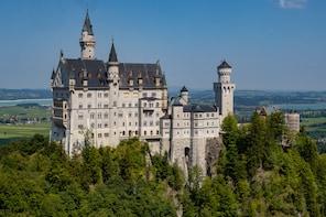 Premium-Tagesausflug – Neuschwanstein mit schnellem Einlass und Schloss Lin...