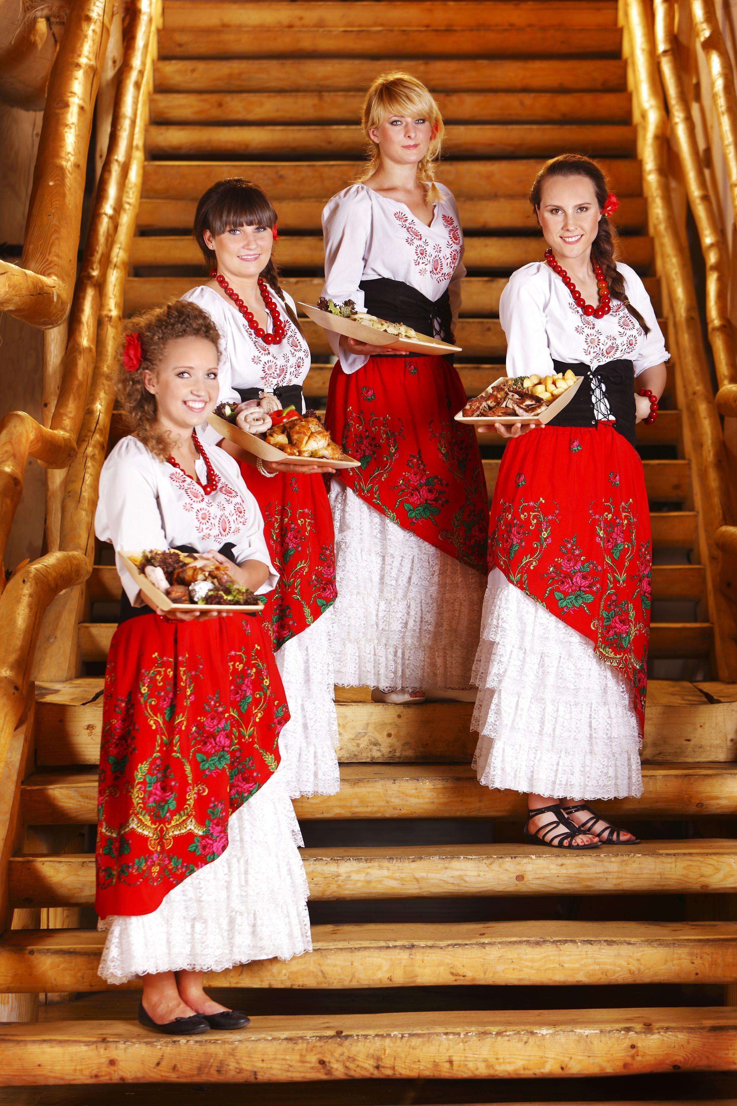 182 Polish Folk Show and traditional dinner 004.jpg