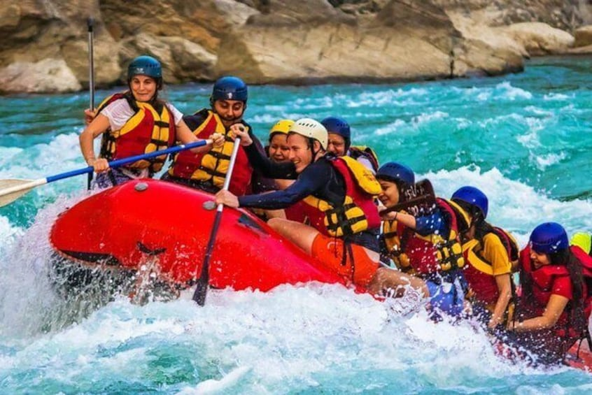 Join River Rafting Experience near Manali