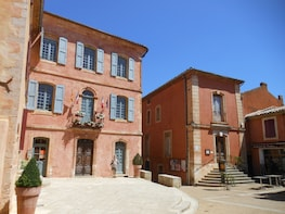 Market and Villages of the Luberon Full-Day Tour