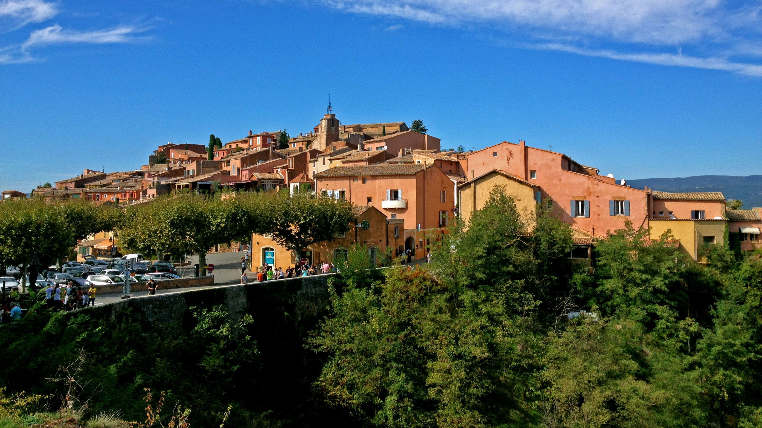 Red buildings in the town of Roussillon