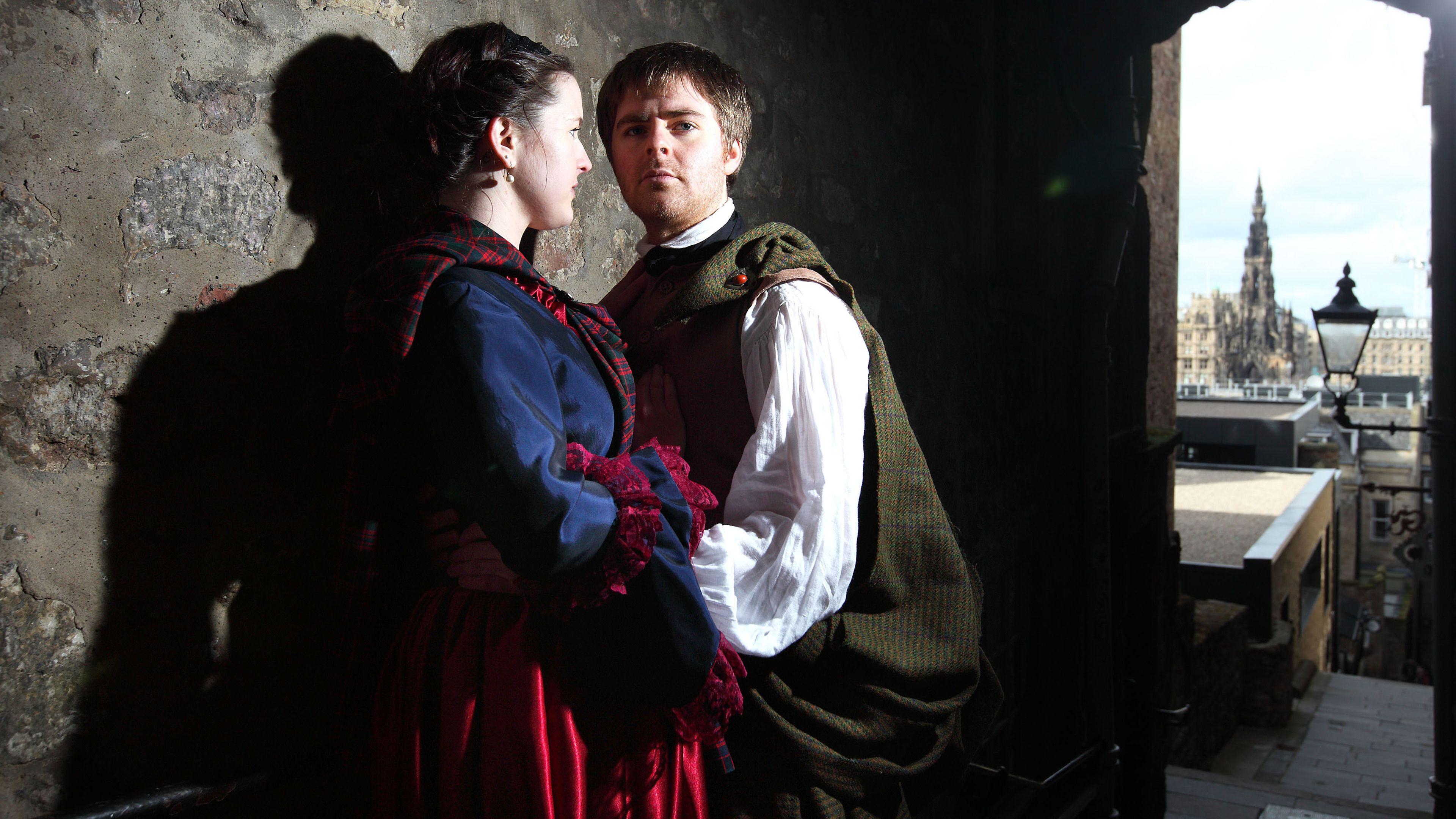 couple in costumes in edinburgh