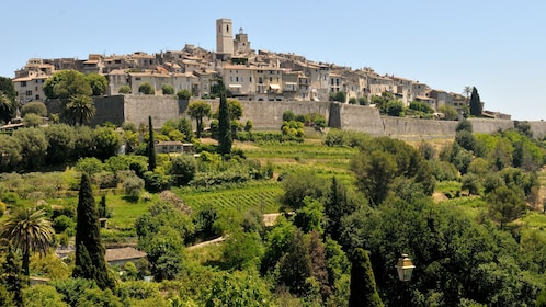 Visiting the charming towns of Antibes in France
