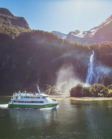 Milford Sound Classic Cruise