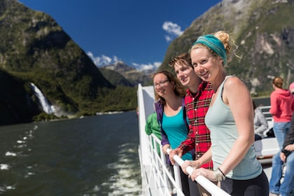 Milford Sound Encounter Nature Cruise