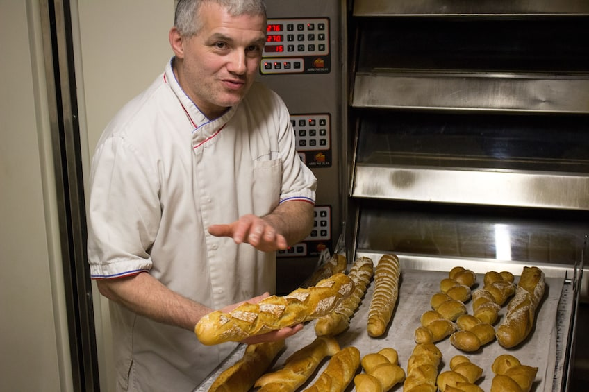 Foto 1 van 5. Baking Class in a French Bakery: Croissants and Baguettes